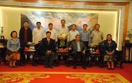 老挝科技部长兼科学院院长访问昆明分院系统驻滇各单位